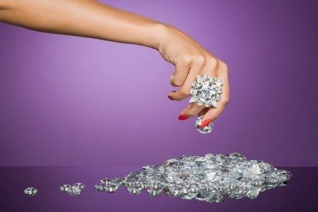 Investire in diamanti conviene? Come fare, opinioni, Pro e Contro