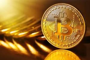 Bitcoin, tutti pazzi per la criptovaluta: quotazioni sopra 10 mila dollari