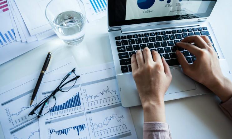 Come Fare Soldi Online: Idee su Come Iniziare con il Trading